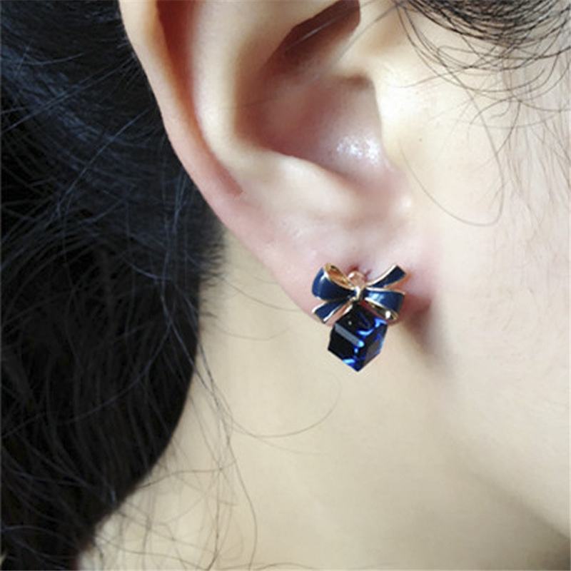 2018 Hottest Fashion Brincos Oorbellen Bijoux Stereoscopic Square Crystal Bowknot Rhinestone Stud Earrings For Women Jewelry