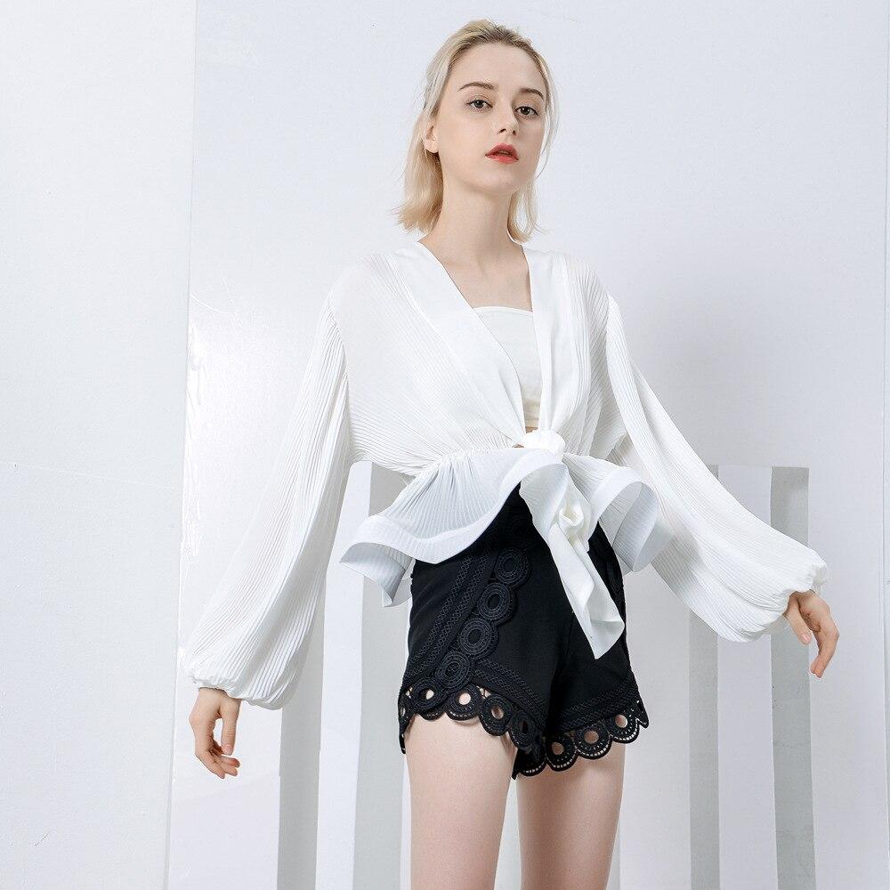 Street Style Black Woman: New 2019 European Street Style Black/white Blouse Women V