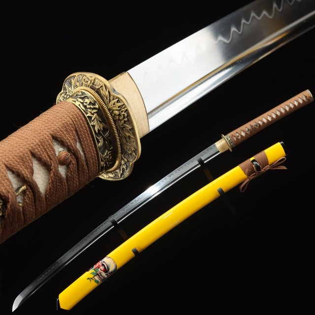 Sharp yellow skull pattern Japanese katana. T10 true sword Movie