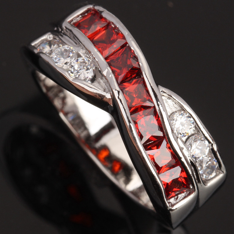 The intersection Red Garnet / White Jewelry Solitaire Party Jewelrys 925 Sterling Silver Fashion Gems Womens Rings Size S0780