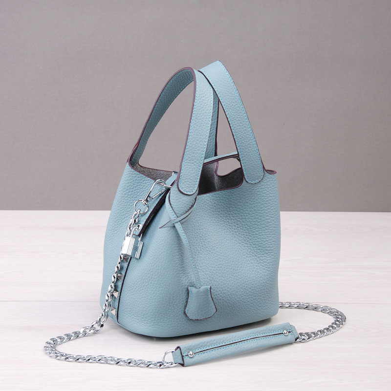 купить PRAVESDA 2018 ladies Geniune leather handbags rivet design bucket bags crossbody shopping bags casual tote bags по цене 5607.75 рублей