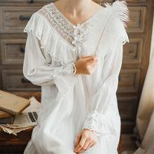 Kobiet w stylu Vintage Gothic wiktoriański sukienka wieczorowa białe bawełniane Flare rękaw dekolt V koronki zdobione Hem wzburzyć jesień koszula nocna T29 tanie tanio Kobiety Koszule nocne COTTON Pełna Stałe Kostek V-neck Nightgowns EDOLYNSA White Elegant Vintage Princess Style Spring Summer Autumn