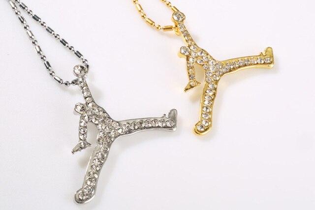 ecfc2997b4 ZRM 20 unids/lote joyería de moda al por mayor oro/plata encanto Jordan