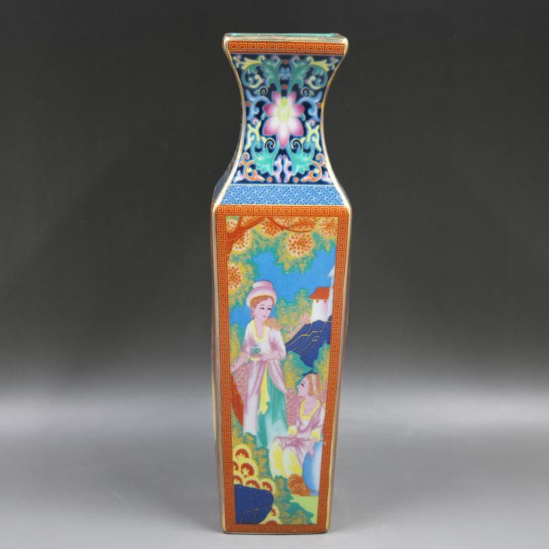 Qing Qianlong pastel caractère occidental vase carré antique décoration de la maison collection de porcelaine antique