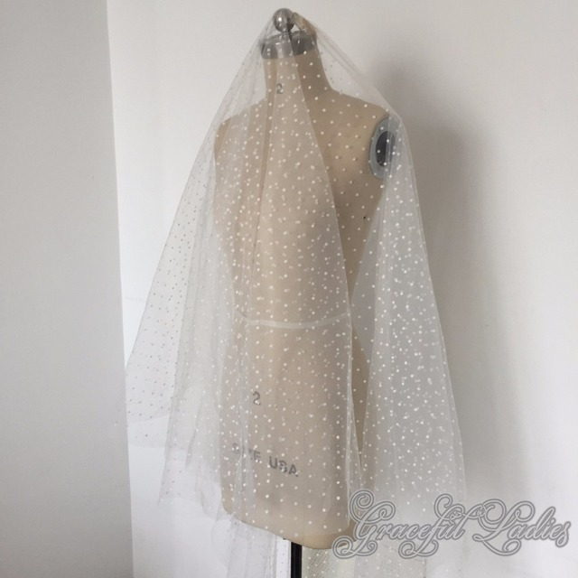 Ivory Dot Tulle Wedding Veils One Layer Bridal Veil 1.8 Meter Wedding Veils With Comb Floor Length Bridal Veils With Blusher