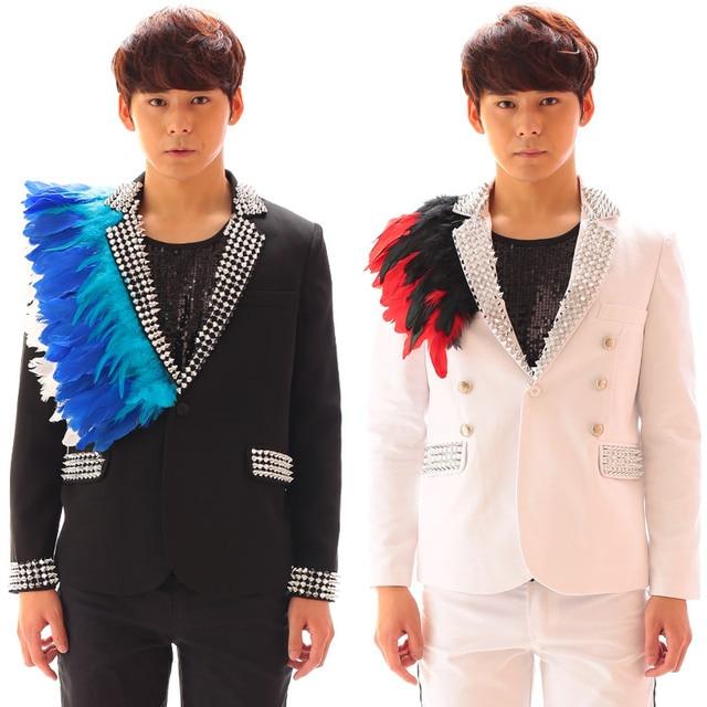 Мода плюс размер мужские заклепки Перо Костюмы черно-белая куртка брюки комплект сценический костюм Go-Go мужчины блейзер для певца брюки