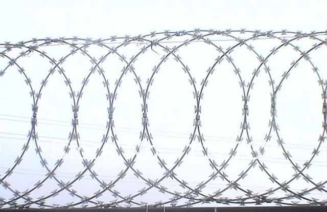 Galvanized Wire Material, Razor Wire Flat Wrap, Welded Razor Mesh ...