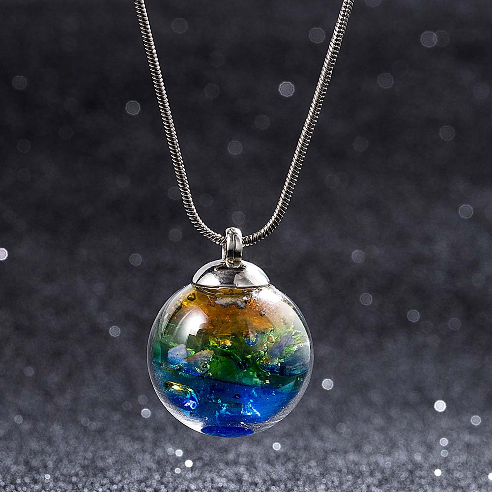 Hot Sale Fashion Jewelry Star Universe Dream Ocean Stereo Glass Ball Pendant Necklace