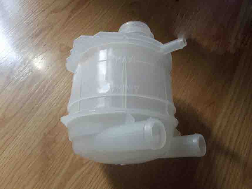 Expansion Tank for CLIO 90-98 7700810997 & 7701203218 & 7701203578 & 7701464060