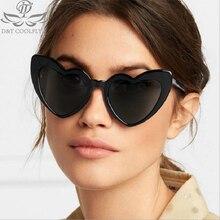 edd0ae2755 D & T de las mujeres de la moda amor corazón marca diseñador gafas Vintage  gafas de sol negro marco lindo Sexy Retro ojo de gato.
