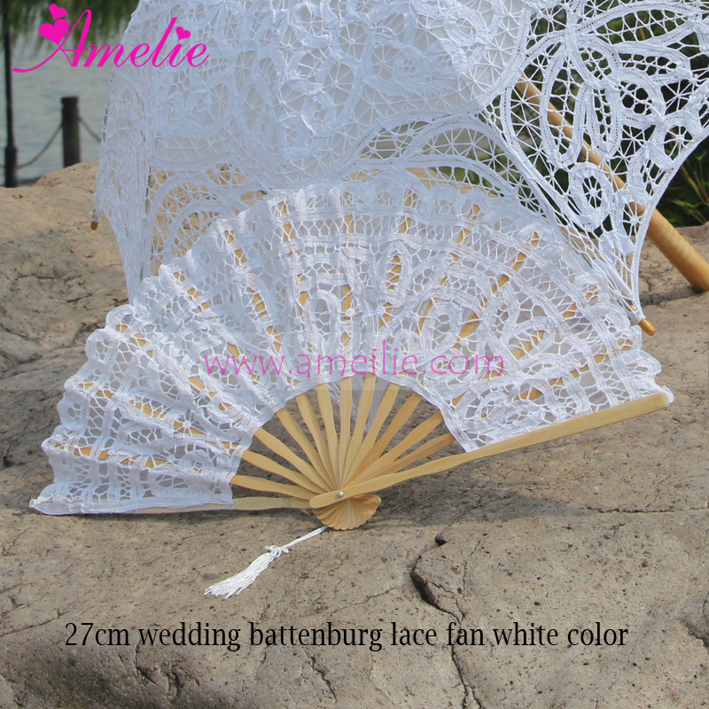 Wholesaler Victorian Battenberg Wedding Lace Hand Fan Party Bridal Decoration Craft Lace Fan Wedding Guests Gifts