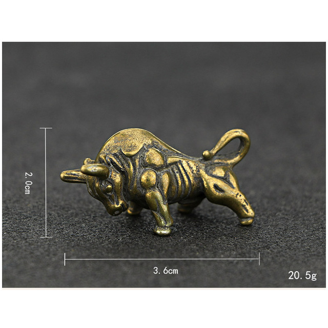 Mini Portable Retro Brass Wall Street Bull Statue Keychain Ornament Sculpture Home Office Desk Decorative Ornament Hand Toy Gift 5