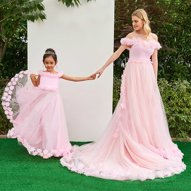 Us 99 98 Mummy And Me Mother Daughter Wedding Dresses For Party Family Clothing Look Dress Pink Mom Maxi In Matching