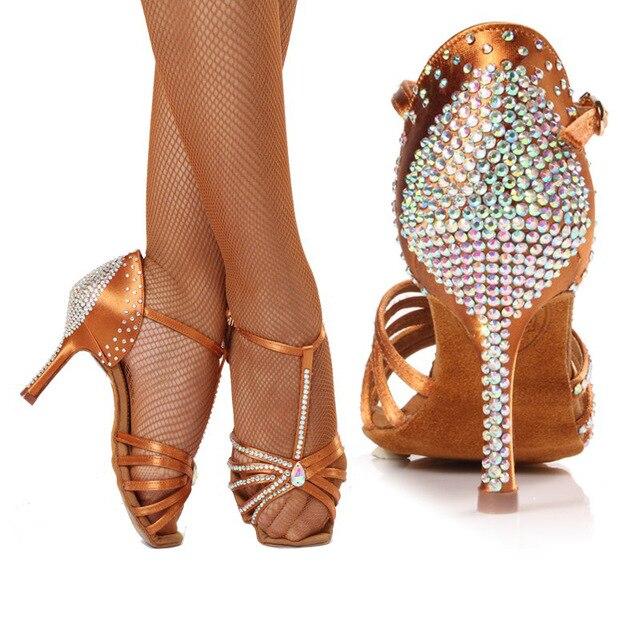 more photos 3f95e 1893a US $42.25 35% OFF|HXYOO Hochwertigen importierten satin Diamant Mittlere  ferse tanzschuhe Latin dance schuhe frauen GM050-in Dance shoes from Sports  & ...
