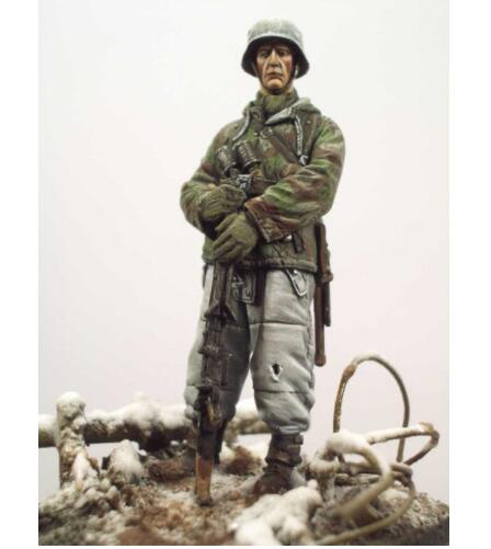 1/35 The Uncolor Infantryman, Ardennes 1944   Toy Resin Model Miniature Kit Unassembly Unpainted
