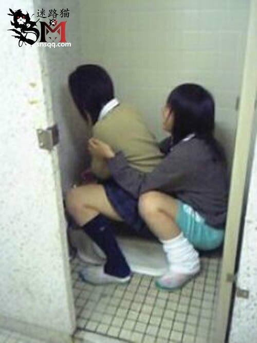 日本女子高校二笔沙雕风大赏之一:女生在女生面前都会有她从未在男生面前显露过的一面