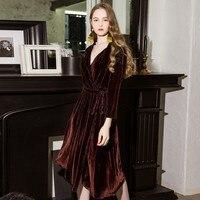 Элегантное платье женское платье 2019 Осень Зима Новое Брендовое женское вельветовое платье для вечеринки красное с поясом v образным вырезо