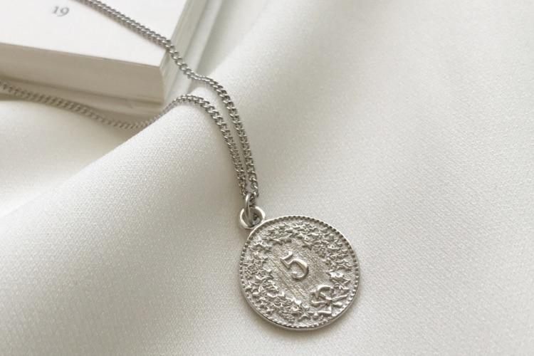 c08c48c76fcc Puro de Plata de Ley 925 Collar de plata Moneda de dólar reina ...