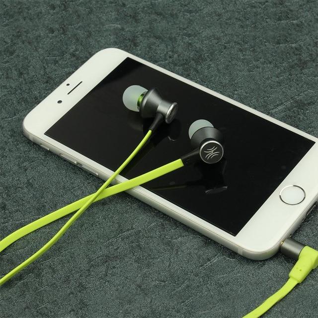 Oneodio Sport Auricolari Auricolari Corsa e Jogging Sweatproof HiFi Stereo Magnetico Wired In Ear Cuffia Auricolare Con Il Mic Groviglio Libero
