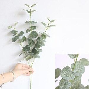 Image 5 - Rama de hojas artificiales Retro verde hojas de eucalipto de seda para decoración del hogar, plantas de boda, follaje de tela sintética, decoración de habitación de 68CM