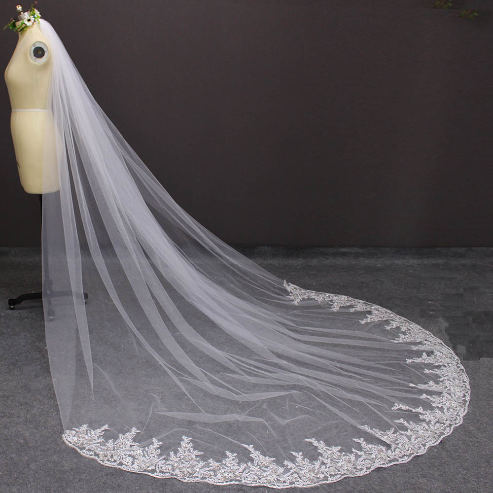 Купить с кэшбэком Long Wedding Veil with Comb 3M Cathedral Bridal Veil with Sequined Lace Appliques Metal Comb Voile Mariage 2019