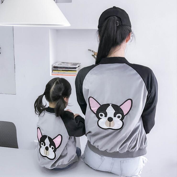 אמא ובת בן משפחת בגדי ילדים בגדי cartoon כלב רקמת טלאים התאמה o-צוואר שרוול ארוך בגדים