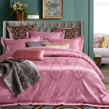 2018 Royal Style Pink Bedding Set 4Pcs Queen King Size Silk Cotton Blend Bedlinens Duvet Cover Flat Sheet Pillow Cases