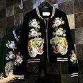 Nova Primavera Moda Outono Mulheres Jaqueta Tigre Preto Bordado De Veludo Bomber Jacket 2017 Jaquetas E Casacos De Beisebol Básico Casuais