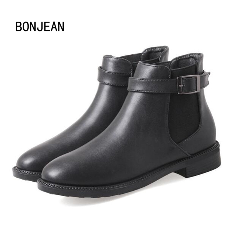 Winter Leather Ankle Chelsea Boots for Women Female Short Martin Boots Thick Heels Ladies Winter Buckle Booties Zapatos Mujer winter women ankle boots thick high heels round toe genuine leather short black zip shoes martin chelsea boots 2016 new design