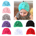 Alta Qualidade 100% Algodão Chapéus Gorros Sólida Com Arco Para A Criança Infantil Do Bebê Colorido da Primavera Inverno Orelha Quente Caps Skullies