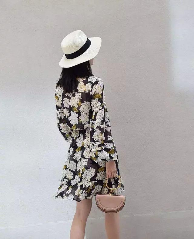 Vestido de mujer 2019 primavera y verano cuello en V Vintage linterna manga vestido de seda-in Vestidos from Ropa de mujer    2