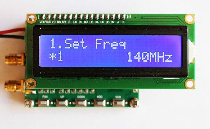 Radio Frequenza Generatore di Segnale con Funzione Sweep di Generatore di Segnale RF 140 MHz ~ 4.4 GHzRadio Frequenza Generatore di Segnale con Funzione Sweep di Generatore di Segnale RF 140 MHz ~ 4.4 GHz