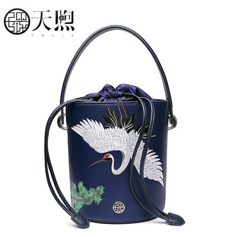 2018 New women leather bags fashion embroidery luxury tote handbags designer women bag leather handbags Crossbody bags new women leather bags fashion embroider flowers luxury tote handbags designer women bag leather handbags crossbody bags