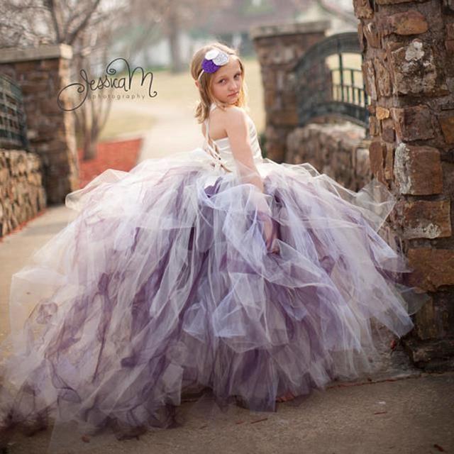 Великолепная Платья для девочек на свадьбу с поездом Белый сатин Топ 3 Слои платье-пачка для свадебной вечеринки для вечеринки, дня рождения pt18