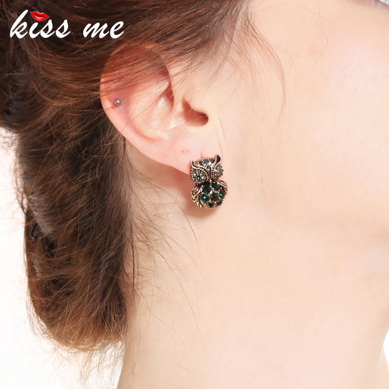 KISS ME Green Crystal Owl Stud Earrings Antique Gold Color Vintage Jewelry Cute Women Accessories Valentines Gift