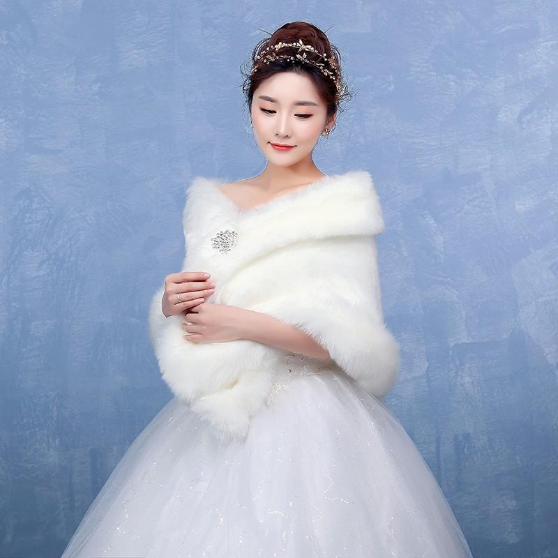 a42a17edcb7 Bolero Ivory Bridal Wraps Winter Wedding Cape Free Shipping Faux Fur  Elegant Ladies Evening Jackets Wedding Shawl Shrug Boleros-in Wedding  Jackets / ...