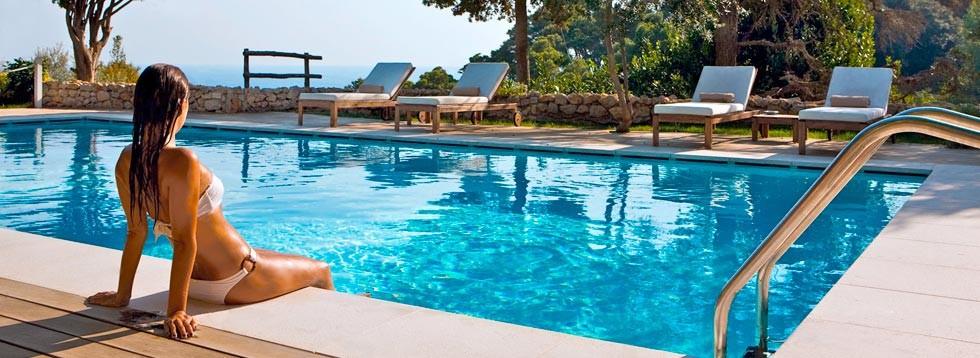 h-swimming-pool