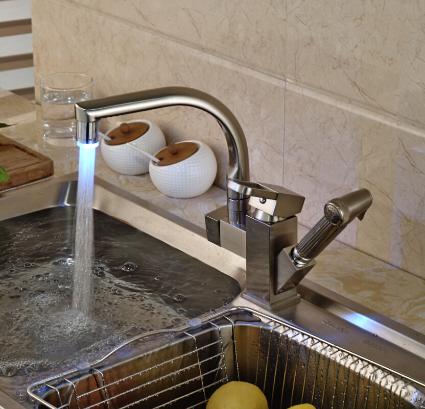 Brushed Nickel Single Handle LED Colot Changing Kitchen Sink Faucet with Side Pull Out Sprayer