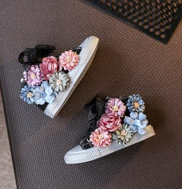 High Top Flower Girls Canvas Shoes Beading Kids Shoes 2019 Autumn Childrens Shoes Korean Casual Sneakers Sider ZipperHigh Top Flower Girls Canvas Shoes Beading Kids Shoes 2019 Autumn Childrens Shoes Korean Casual Sneakers Sider Zipper