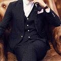 2017 Delgado Fino A Cuadros Formales trajes de Hombre 3 unidades set Escarda traje de Un Solo Botón de los Trajes Del Novio (Jacket + Pant + Vest + Pañuelos)