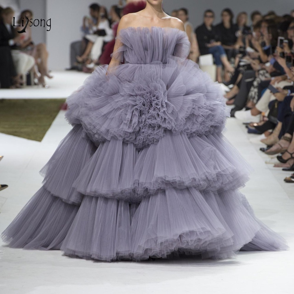 Chic Gray Lush Tiered Tulle Evening Dresses 2019 Trendy Ruched Ruffles Puffy Ball Gowns New Prom Gowns Off The Shoulder