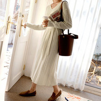 2019 Autumn Woman Elegant Beige V Lead Long Sweater Dress Thick Knitted Dress Hemp Flowers Rendering Bow Lace Up