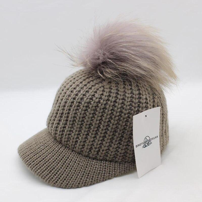 Aliexpress.com  Comprar BINGYUANHAOXUAN Coreana bola de Pelo de Punto gorro  de lana sombrero de Otoño de las mujeres Mantener el calor Curva aleros  Enarboló ... 9bb53db1587