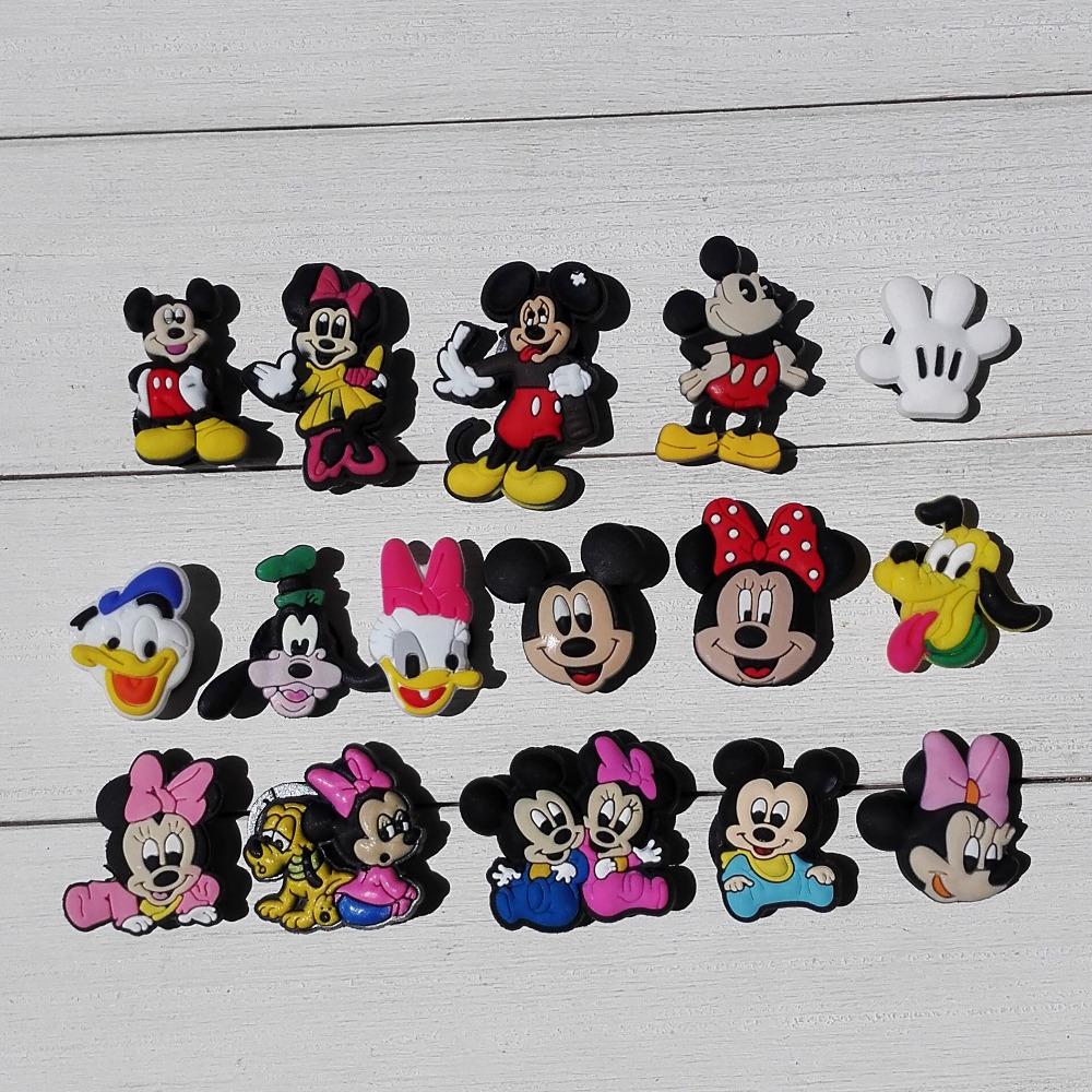 160pcs Hot Cartoon PVC Shoe Buckles Shoe Charms Fit Croc For Shoes&wristbands With Holes Furniture Accessories Party Supplies