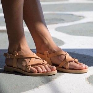 Image 2 - Arden Furtado sandales plates à boucle pour dames, tongs, chaussures de plage à bande étroite, grande taille 43, tendance été 2019