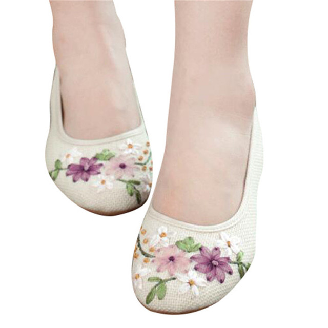 HEE GRAND 2017 Women Flower Flats Slip On Cotton Fabric Casual Shoes Comfortable Round Toe Flat Shoes Woman Plus Size XWD3644
