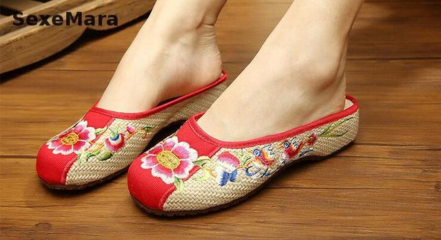 bf758389 2016 old Beijing sandalias de flores sandalias Bordadas viento Chino Étnico  mujeres zapatillas Zapatos más el