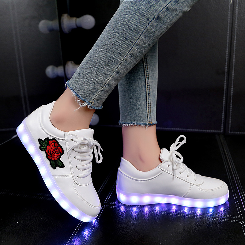 2017 Autumn New Size 26-44 Kids Luminous Sneakers for Girls Boys Women Shoes with Light Led Shoes with Flower Glowing Sneakers