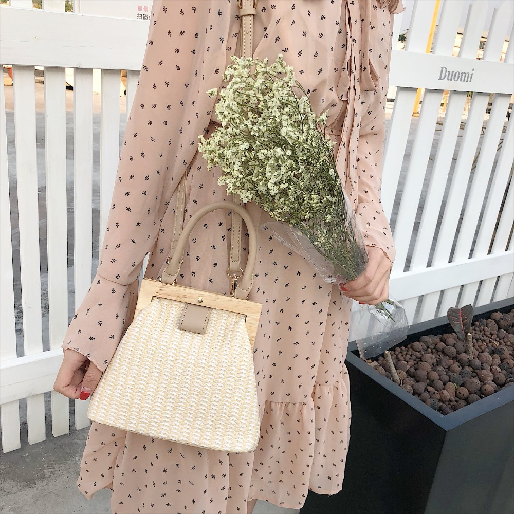 Vintage Woven Straw Bag Wooden Top Handle Clip 4