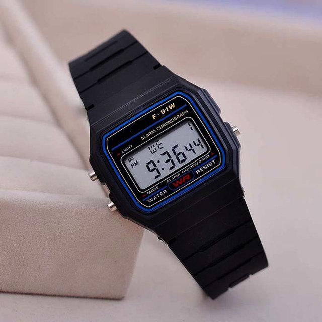 eae542ca2959 Venda quente F-91W Relógio Masculino Dos Homens do Design Assistir Único  LED Digital Preto